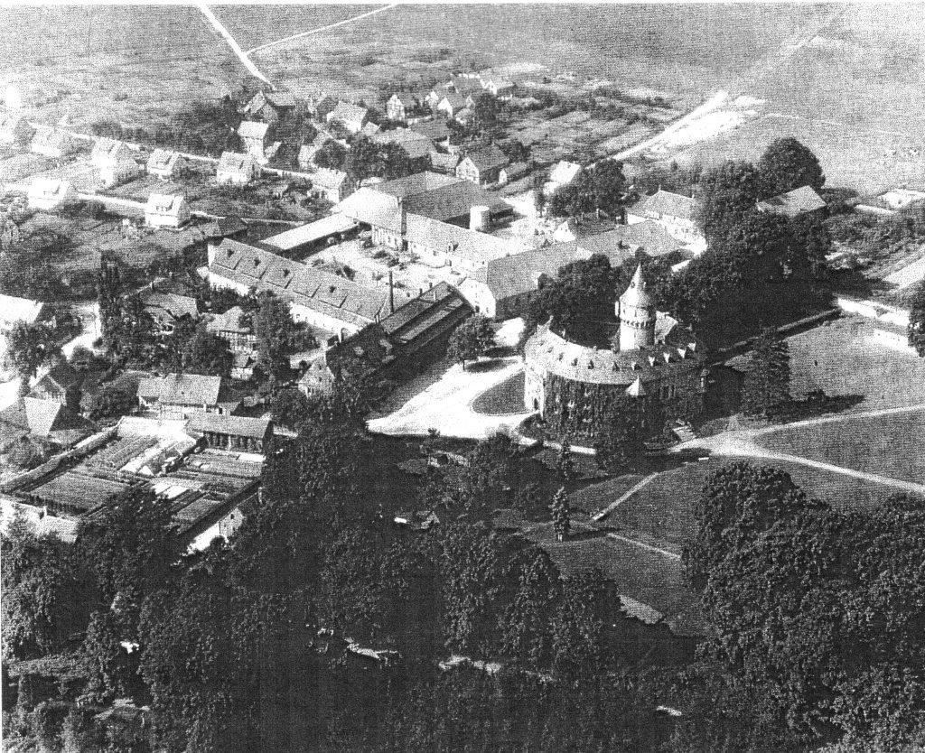 Schloss Oelber Luftbild um 1960